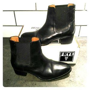 Frye Dara Chelsea Boot, Black Size 7.5 (fits 7)